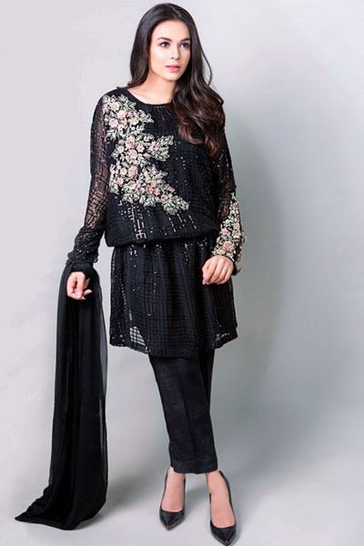 72ecdb4034b One can never go wrong with the color black especially when it s a highly  stylish outfit from Maria B. s ready-to-wear collection.