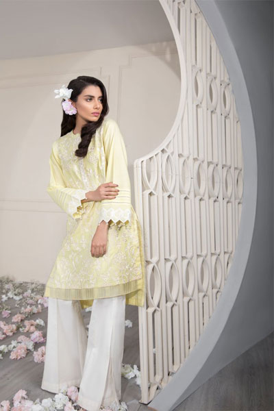 0692b0d2b53 Sapphire s Lawn Collection 2018  21 Best Dresses For Pakistani Girls ...
